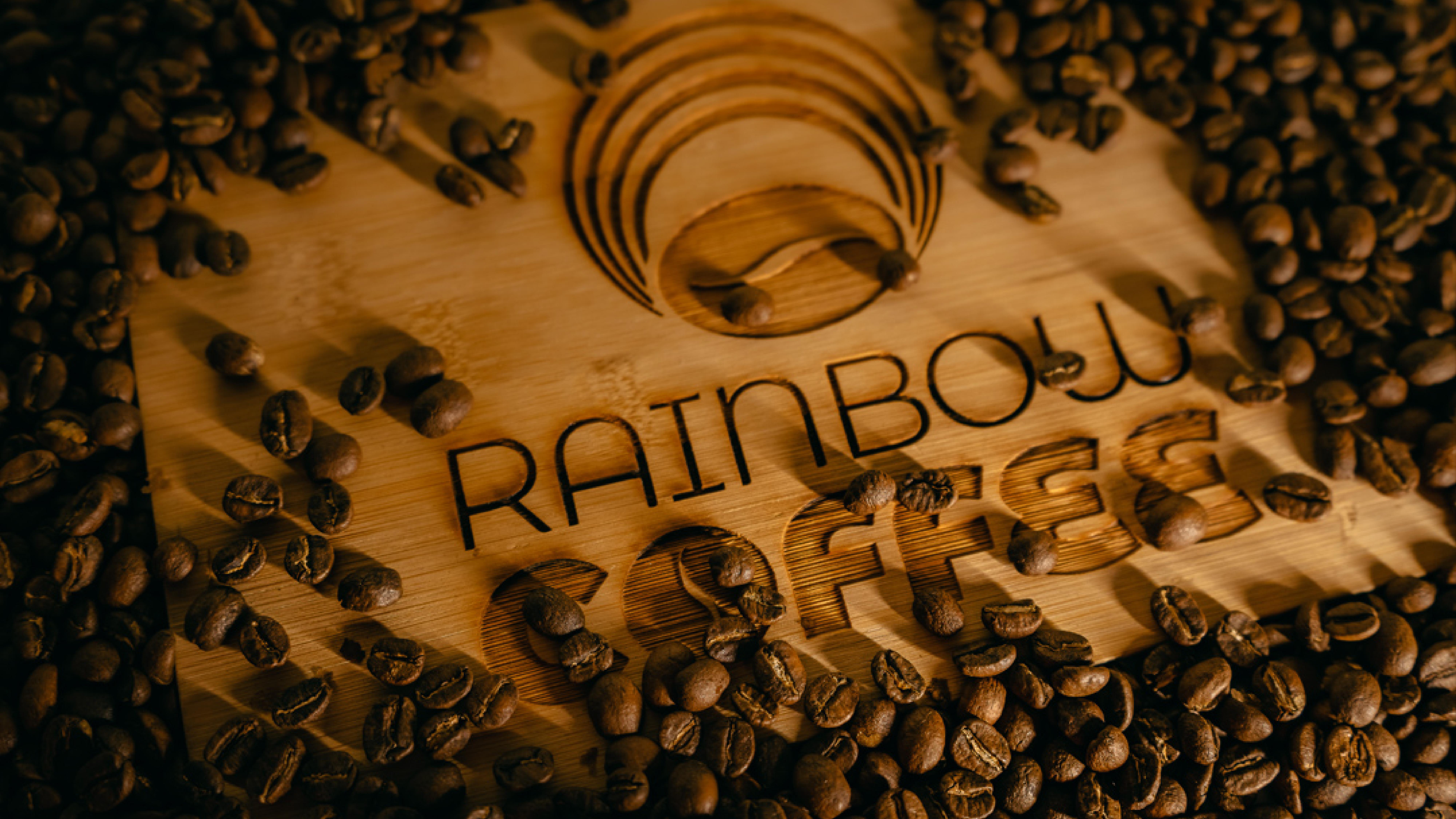 Rainbow Coffee Logo geröstete Bohnen